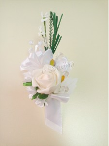 Белая свадебная бутоньерка для жениха (свидетеля)