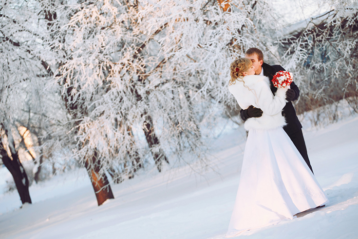Атмосфера зимней свадьбы