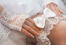 Для чего невесте нужна подвязка на ногу
