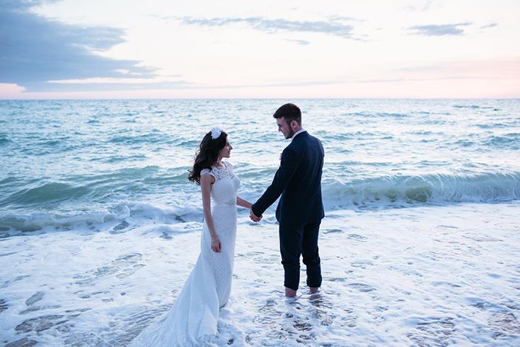 Купание в море на свадьбе