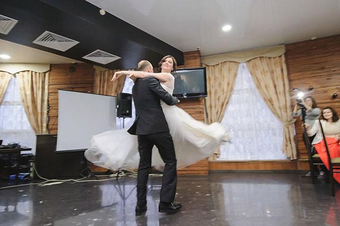 Первый танец жениха и невесты:танец микс