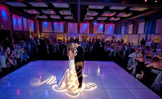 Первый танец жениха и невесты: романтический танец